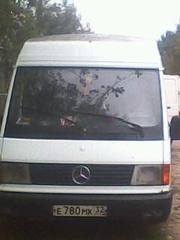Авто Мерседес МВ100D
